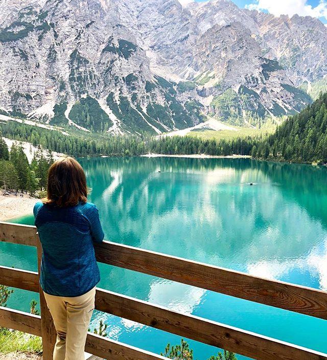The turquoise tones of Lago Di Braies.  One of the jewels of the Dolomites.🙌🏼 🏔🏃🏻♂️🏔 . . . . . . . . . . . . . . #hikingtheglobe #alpselevated  #lagodibraies #nature #optoutside #getoutside #womenwhohike #womenwhoexplore #hikingtrails #outdoors  #hikingboots #alps #hiking #hikingadventures #naturelovers #landscape #wanderlust #offthegrid #mountainlife #adventureawaits #wandern #dolomites #italianalps #lakeview #italy #lakewalk