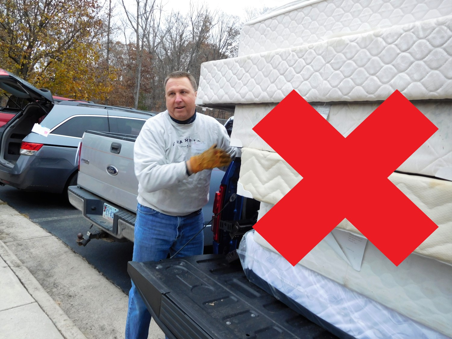 This truck is too small to transport these mattresses