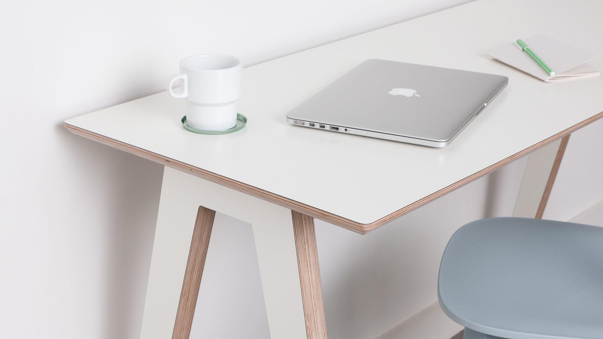 opendesk_furniture_olivia-desk_product-page_gallery-image-Shot1-1438_v02.default.jpg