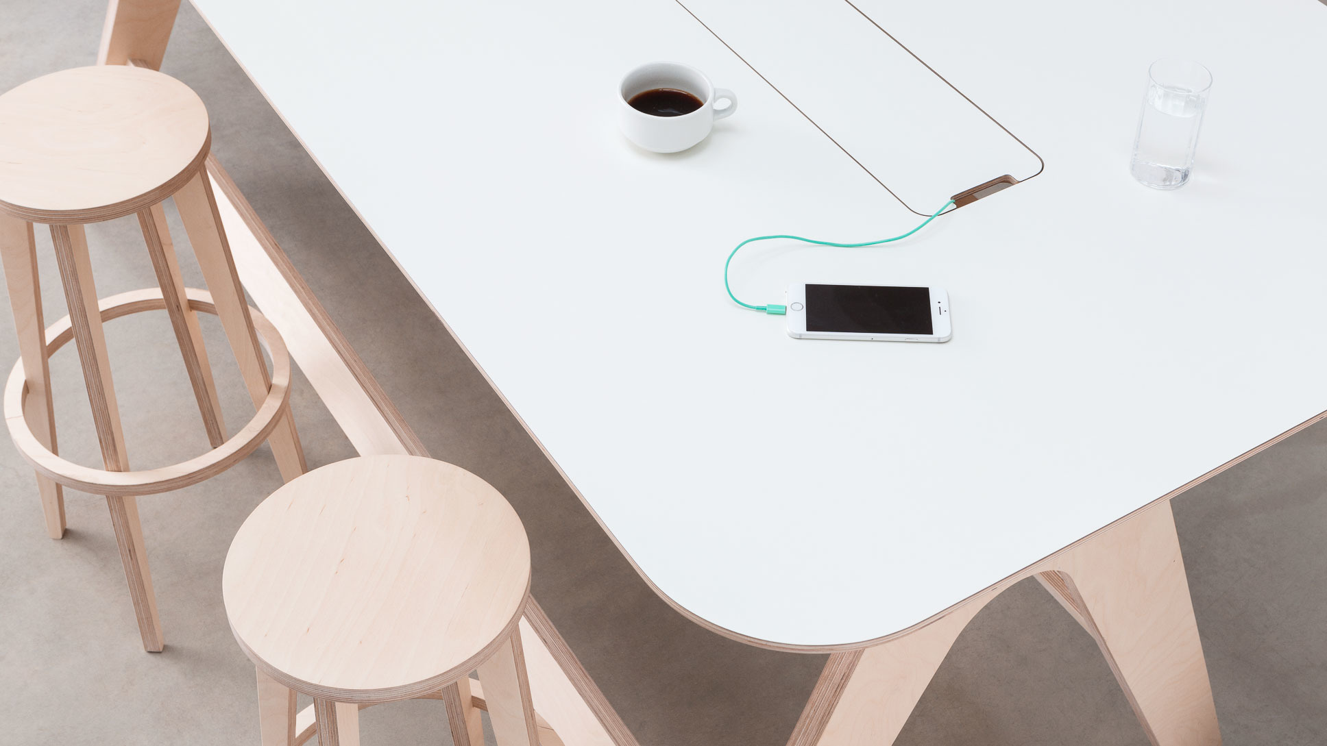 opendesk_furniture_breakout-table_product-page_gallery-image-Shot2-1903_v01.jpg