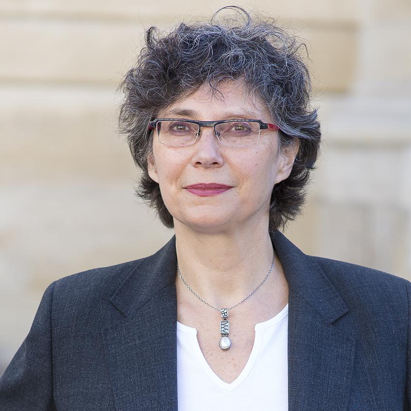 Corinne Hirsch   Implémenter l'égalité entre les femmes et les hommes dans les entreprises.