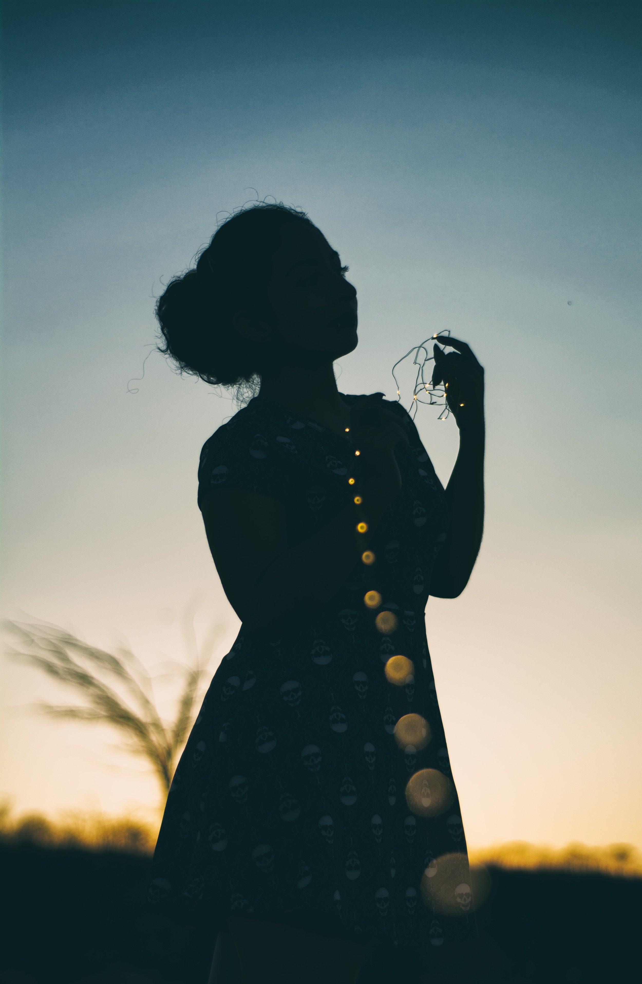 afterglow-backlit-blur-1809611.jpg