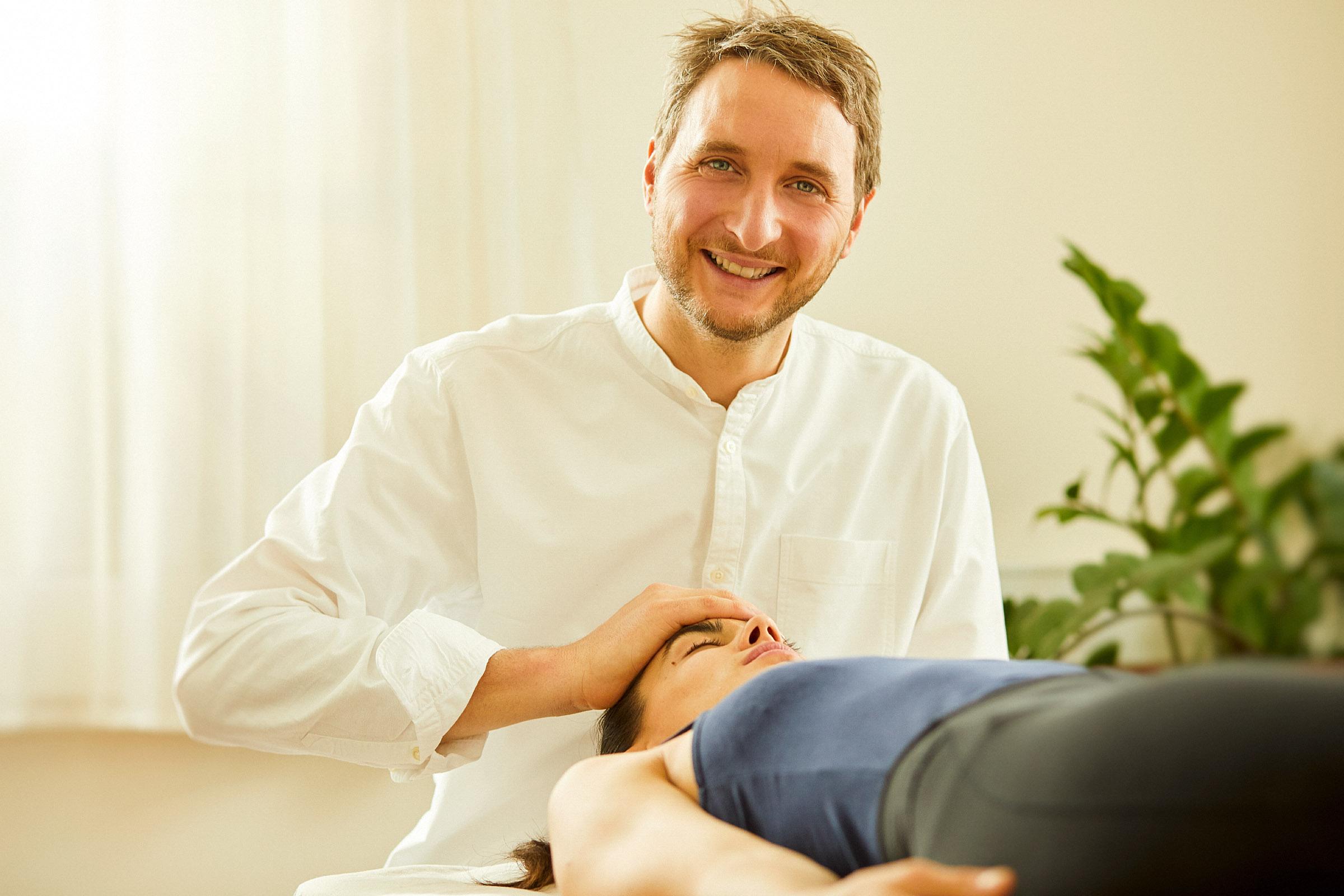Konstantin Berberich - Heilpraktiker für OsteopathiePhysiotherapeut, B.Sc.Dozent