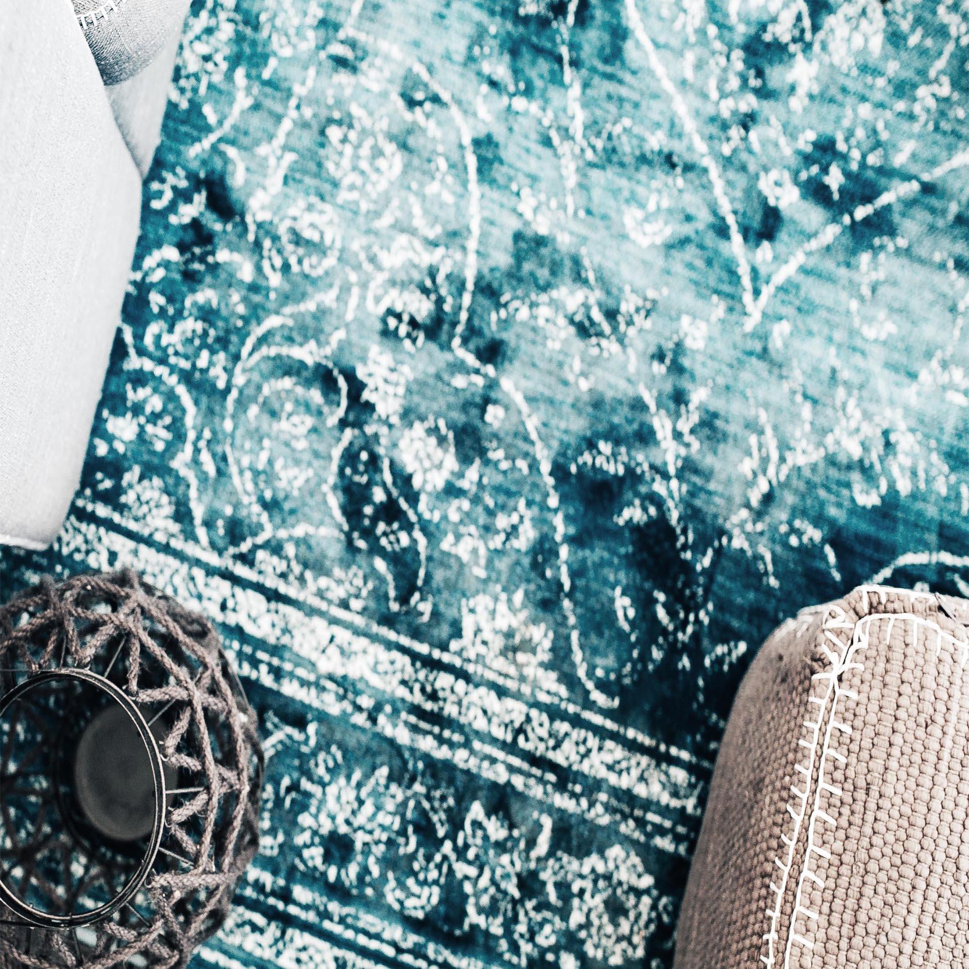 Services-FSP-blue-rug-kaboompics.jpg
