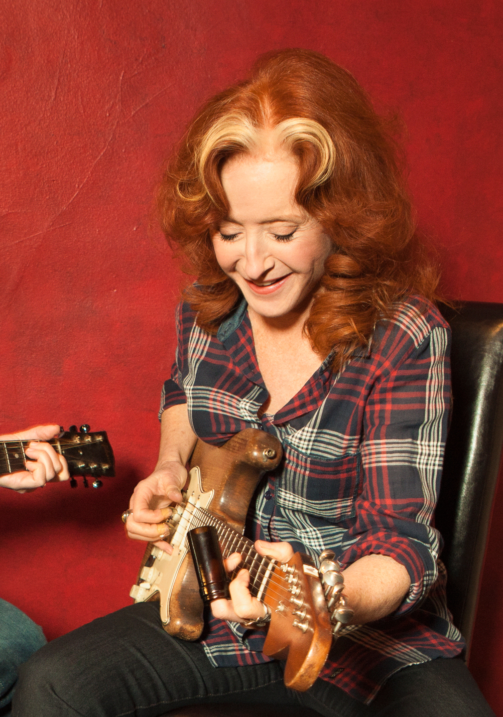 images-uploads-gallery-bonnieraitt-1.jpg