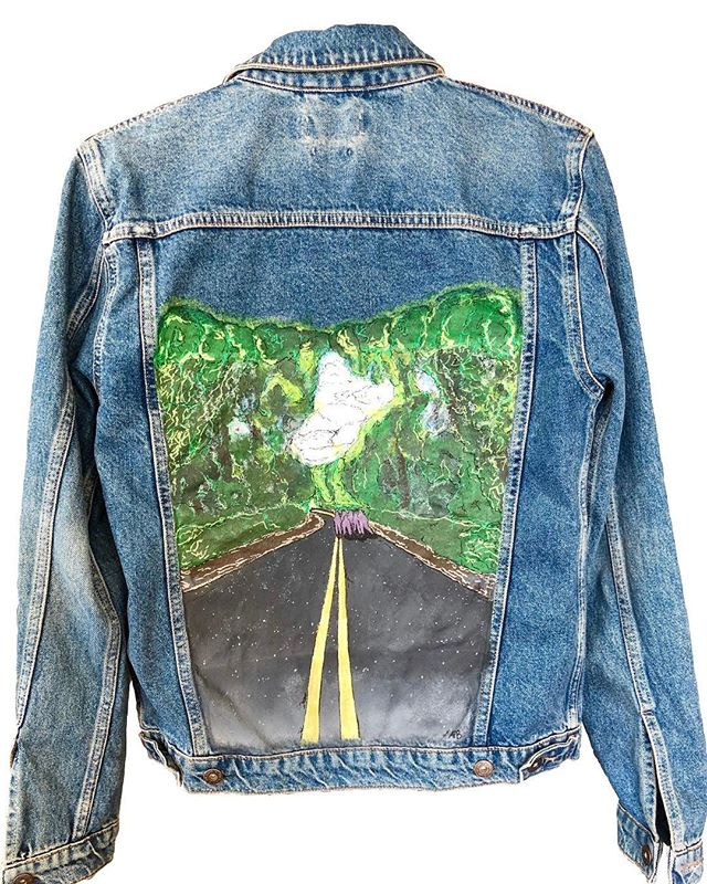 Sharing a special jacket that I made for @lucas_johnson145  Lucas knew he wanted a custom jacket but didn't know what he wanted on it so we turned one of his favorite photos into #wearableart  Originally the photo was going to be contained inside a square or frame, but after some brainstorming we decided it would feel more alive without restraints! Such a fun piece and even more fun seeing him showing it off!
