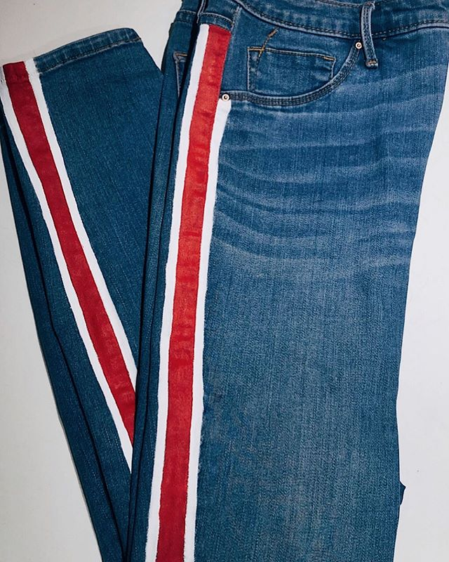 Red, white, and blue or badger through and through?  Side stripe jeans for @caitdg12