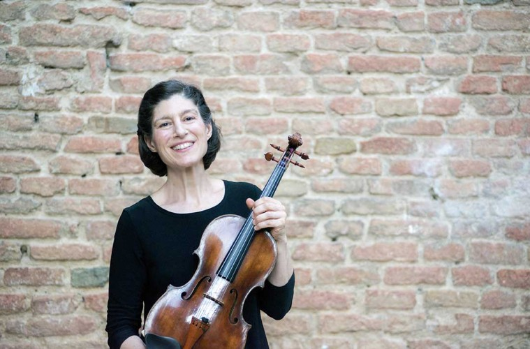 Kim Kashkashian  Grammy-award Winner; Faculty at NEC  格莱美获奖者;新英格兰音乐学院中提琴教授