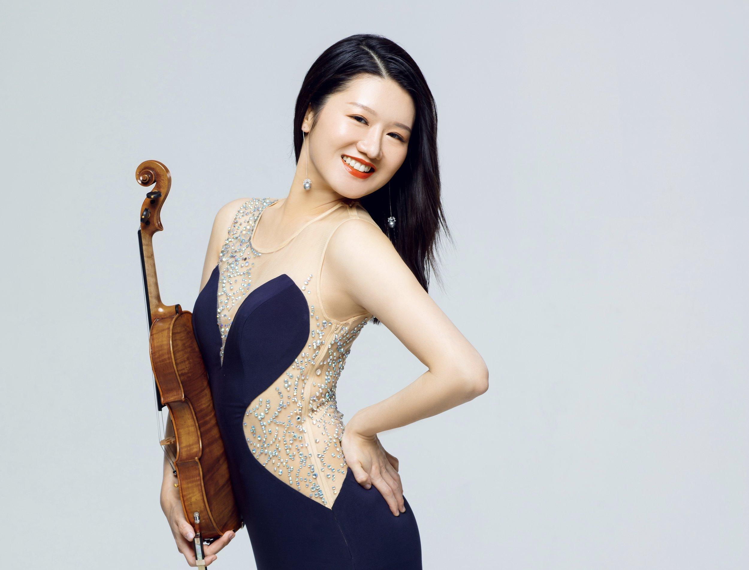 Isabella Li Lao  Active Solo Violinist  小提琴演奏家