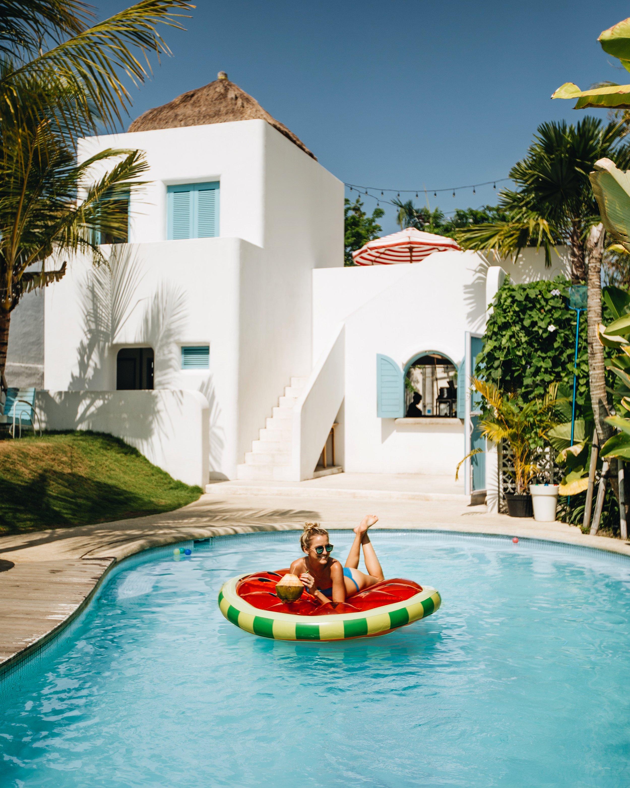 Panama Kitchen & Pool