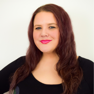 Caitlin - Fashion Craving PodcasterFashion DesignerEntrepreneur