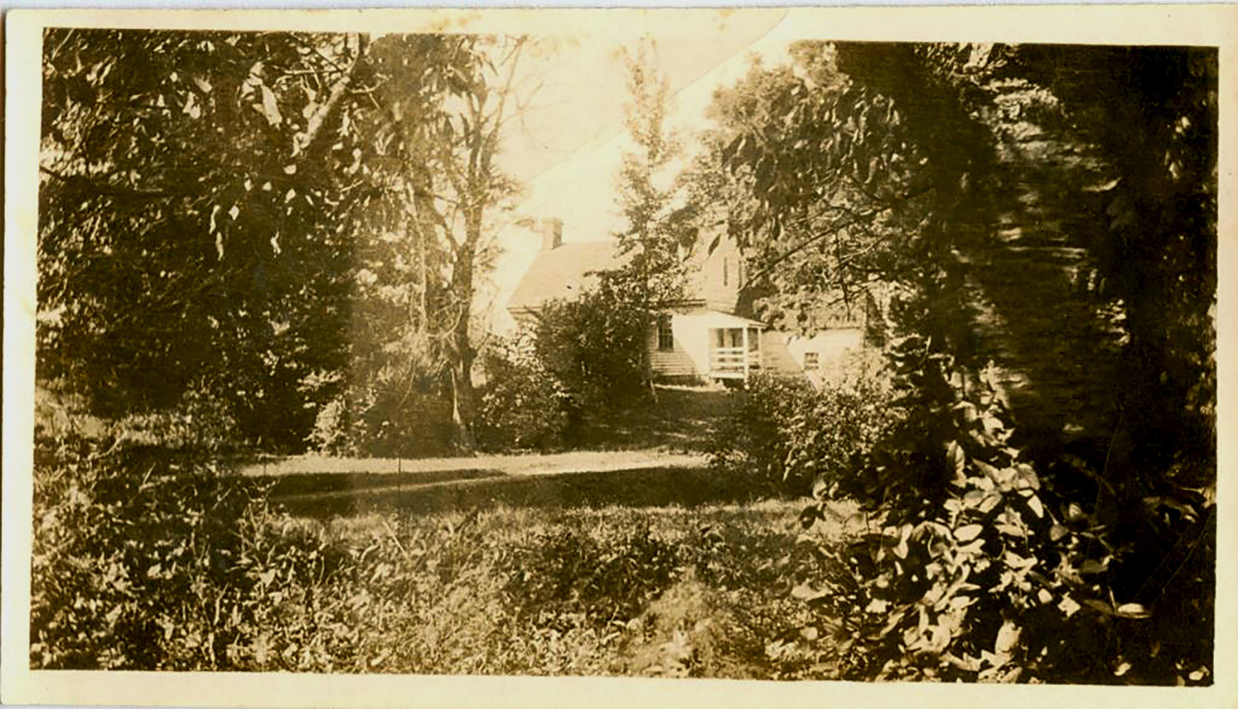 Riley-Bolten House; photo – ca. 1926 view from Old Georgetown Road, Courtesy: Francis Hansbrough, Maryland National Capital Park and Planning Commission