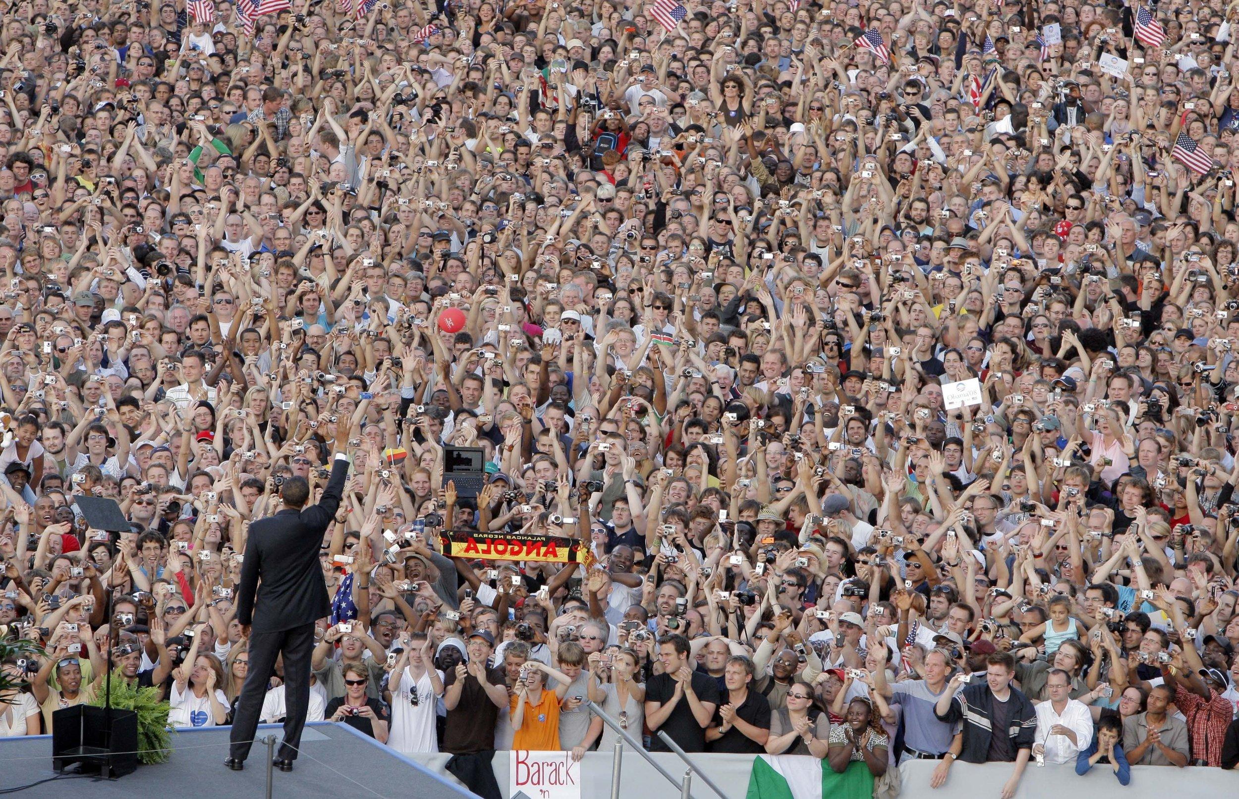 Avviare un Cambiamento Storico - Jessica ha diretto 290 membri di staff di tutti i 9 principali stati, terreni di scontro, durante la storica campagna elettorale del 2008 di Barack Obama. Questi leader hanno costruito team di comando, strategie per la campagna elettorale, individuato elettori, reclutato volontari e condotto la più grande campagna porta a porta nella storia degli USA.