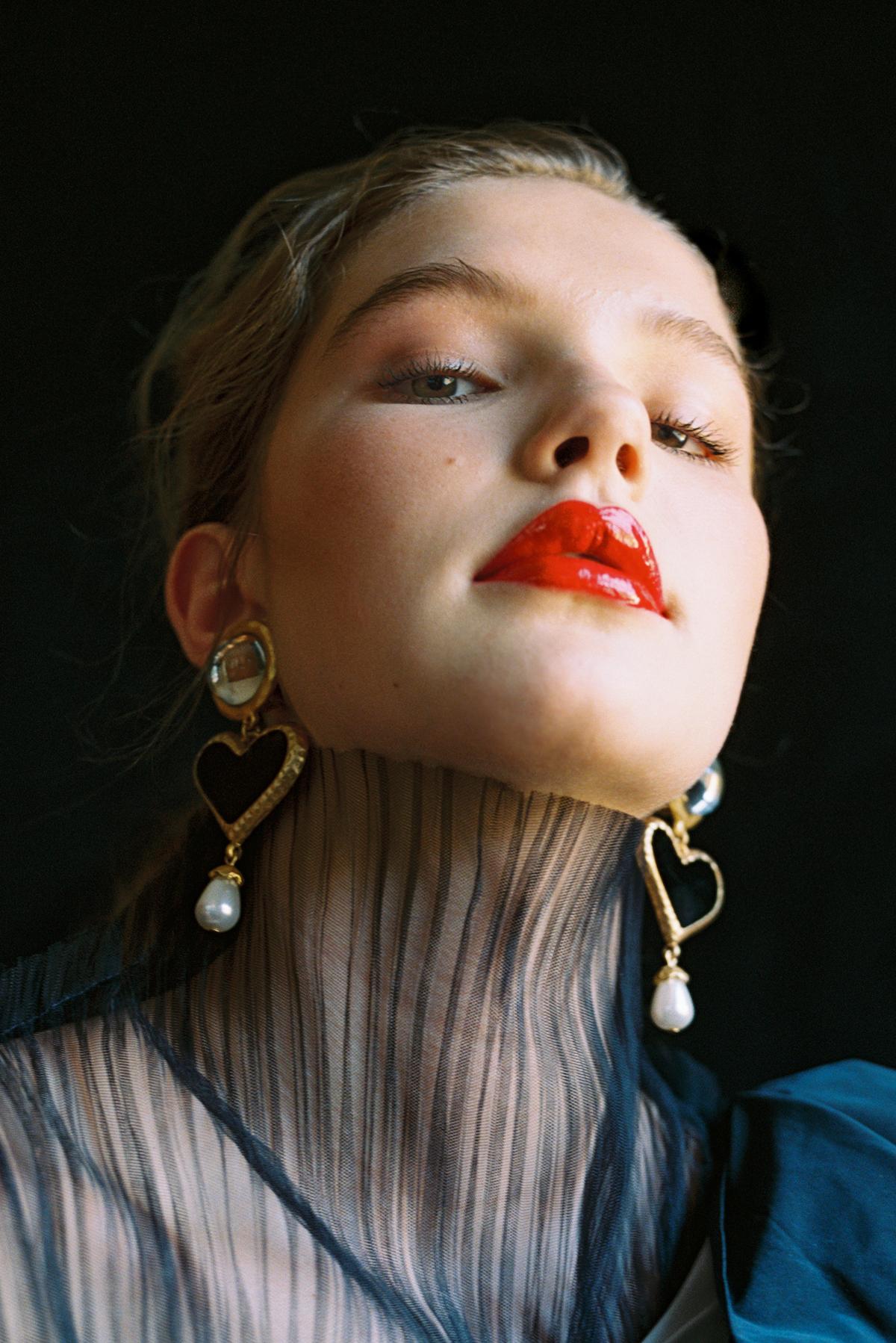 Teeth-Magazine-Ellie-Thumann-06.jpg