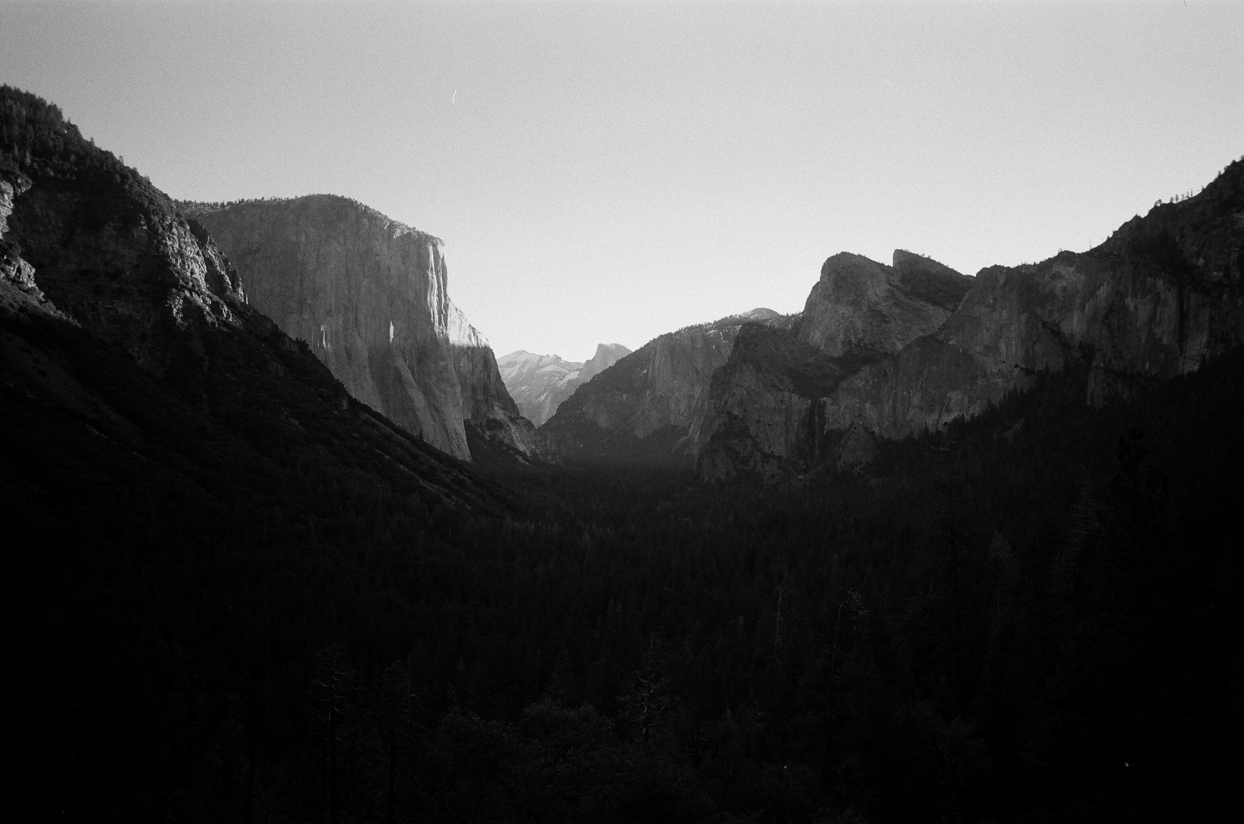 Yosemite_Kodak 400TX_35mm_9.jpg