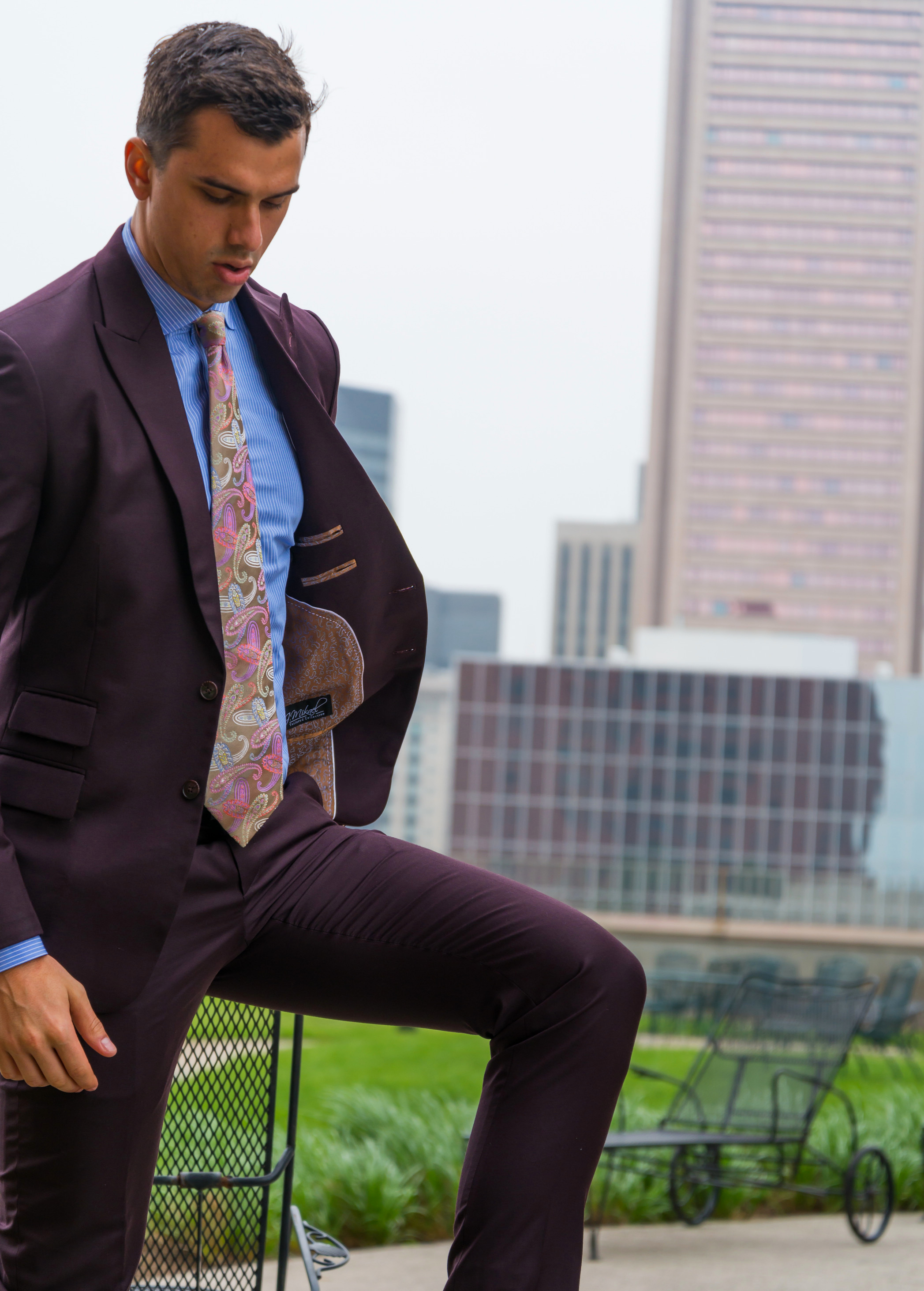 Custom Fit・Style・Service   Tailored suits and shirts designed to fit you; not the rack.     SCHEDULE A FITTING