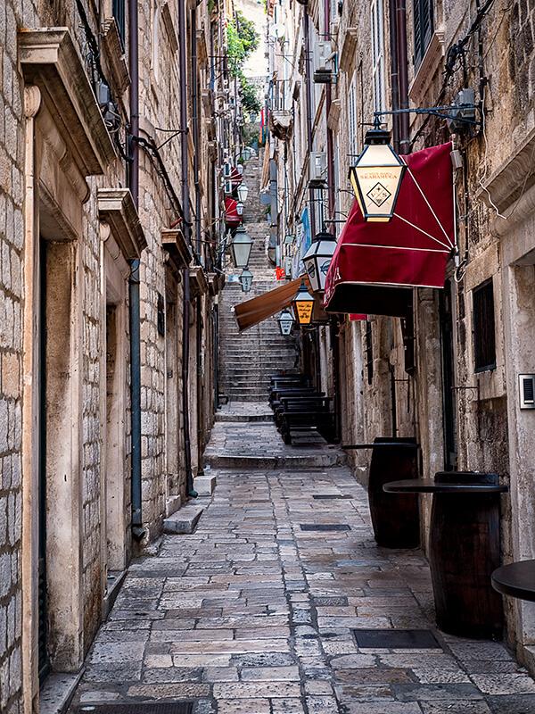 dubrovnik-croatia-streets-600x800px.jpg