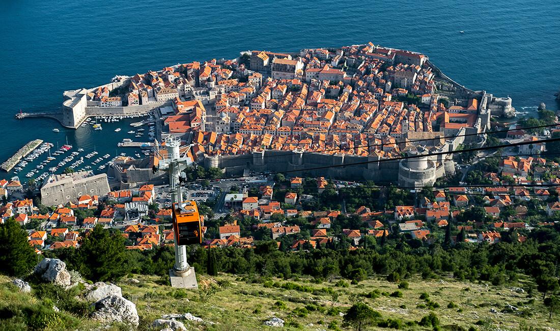 dubrovnik-croatia-lookout-1100x650px.jpg