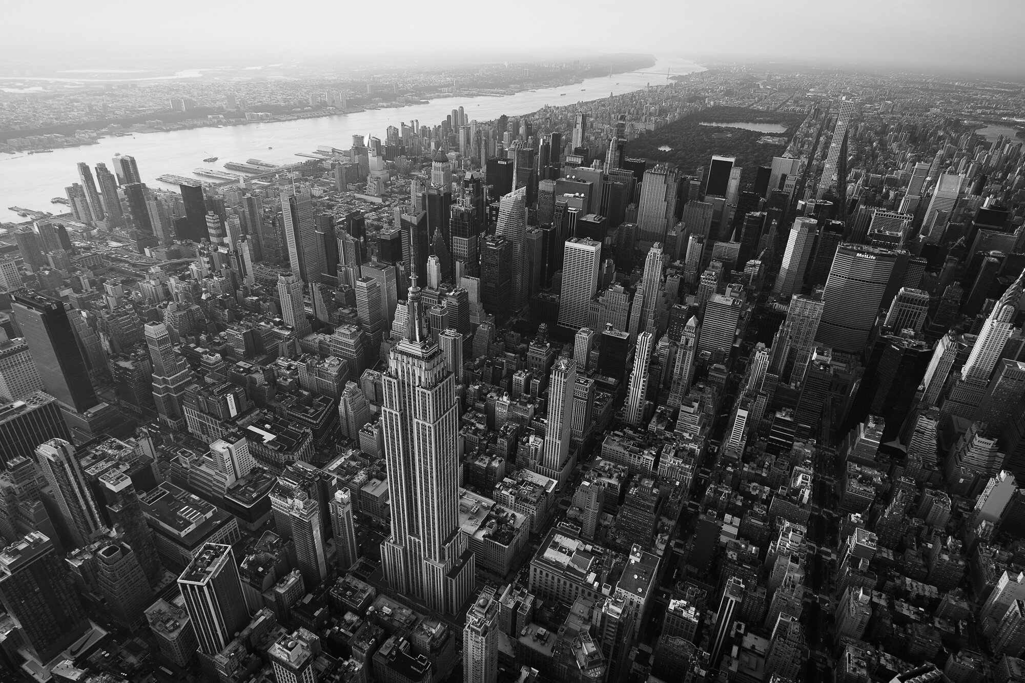 flying-over-chrysler-building-nyc