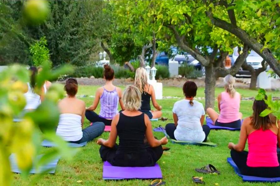 garden-yoga.jpg