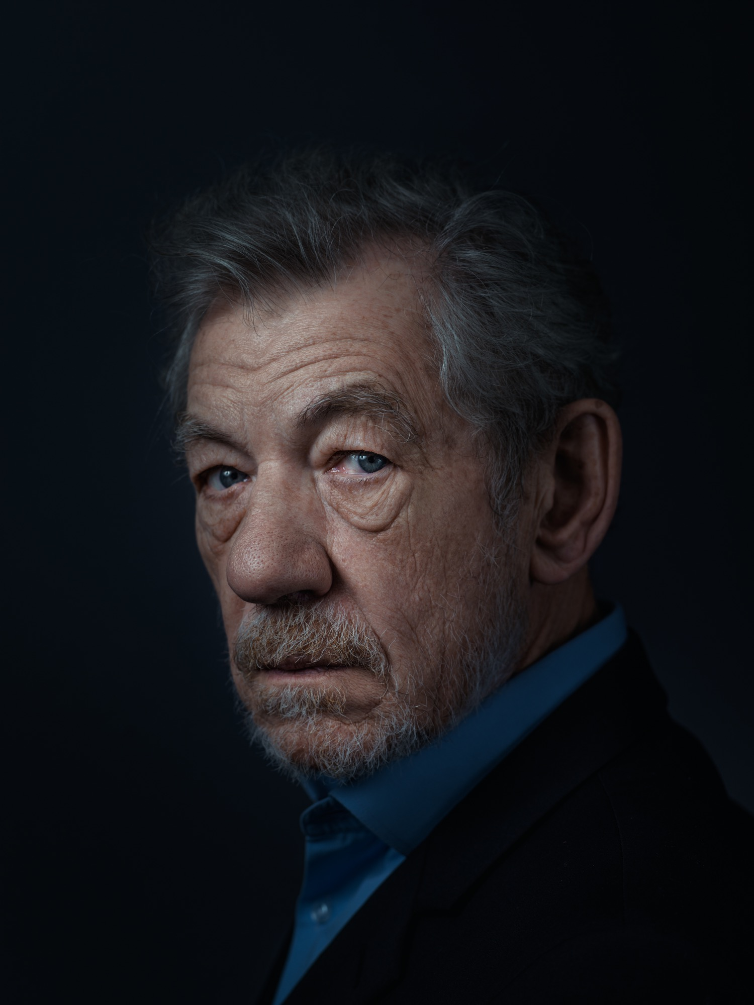 Sir Ian McKellen Portrait Sitting 2014-01-05 (3 of 4).jpg