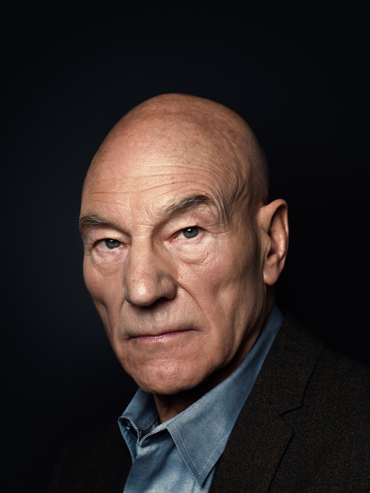 Sir Patrick Stewart Portrait Sitting 2014-14-05- (4 of 4).jpg