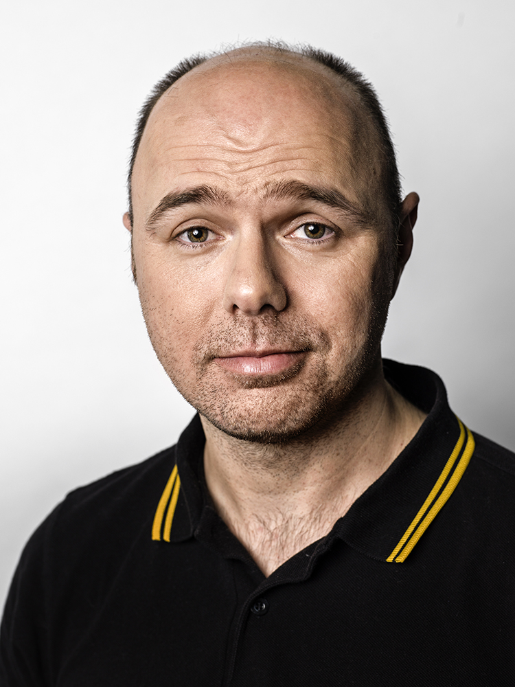 Karl Pilkington Portrait Sitting (Rory Lewis Photographer 2019)