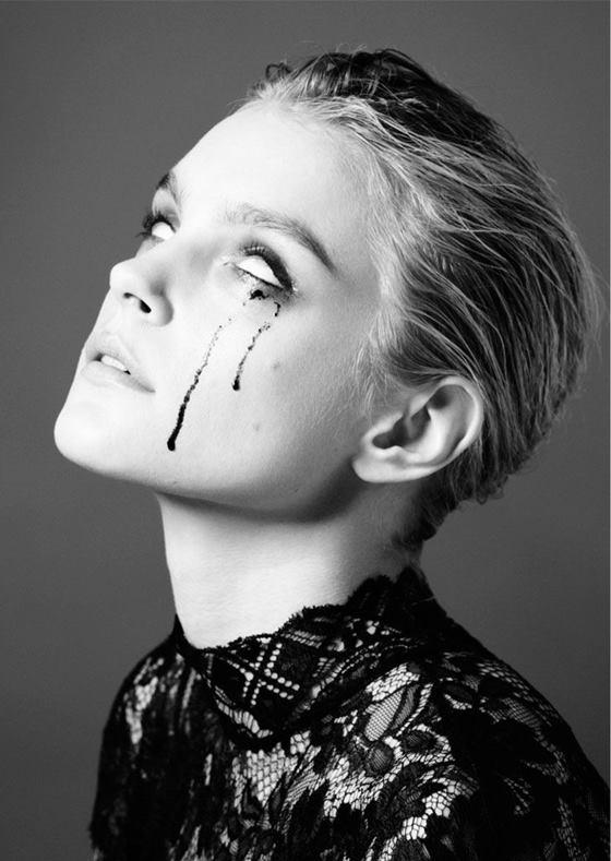 Photographer: Will Davidson / Model: Jessica Stam
