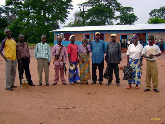 Una riunione per costruire insieme la scuola elementare.
