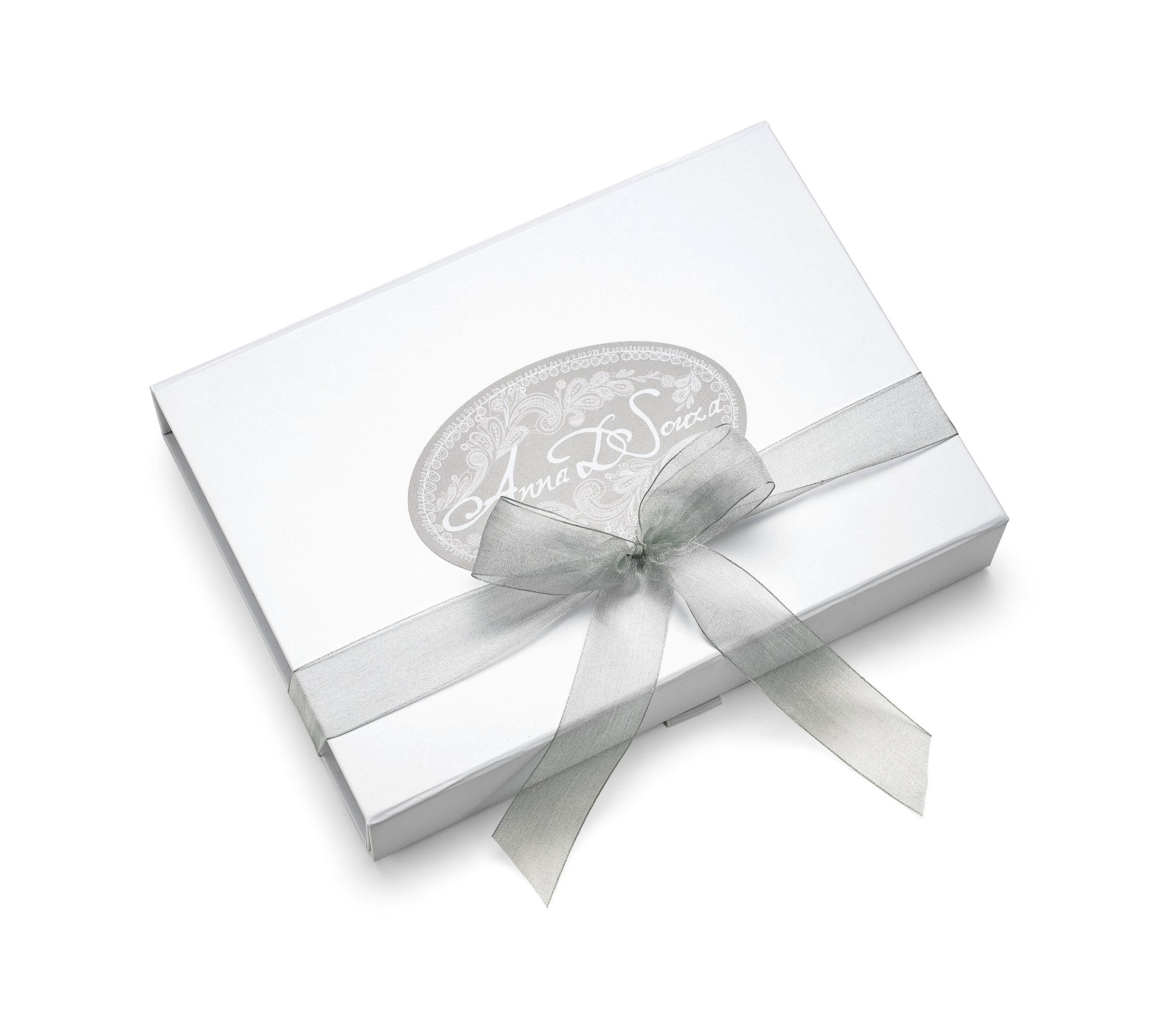Heirloom wedding garter gift box