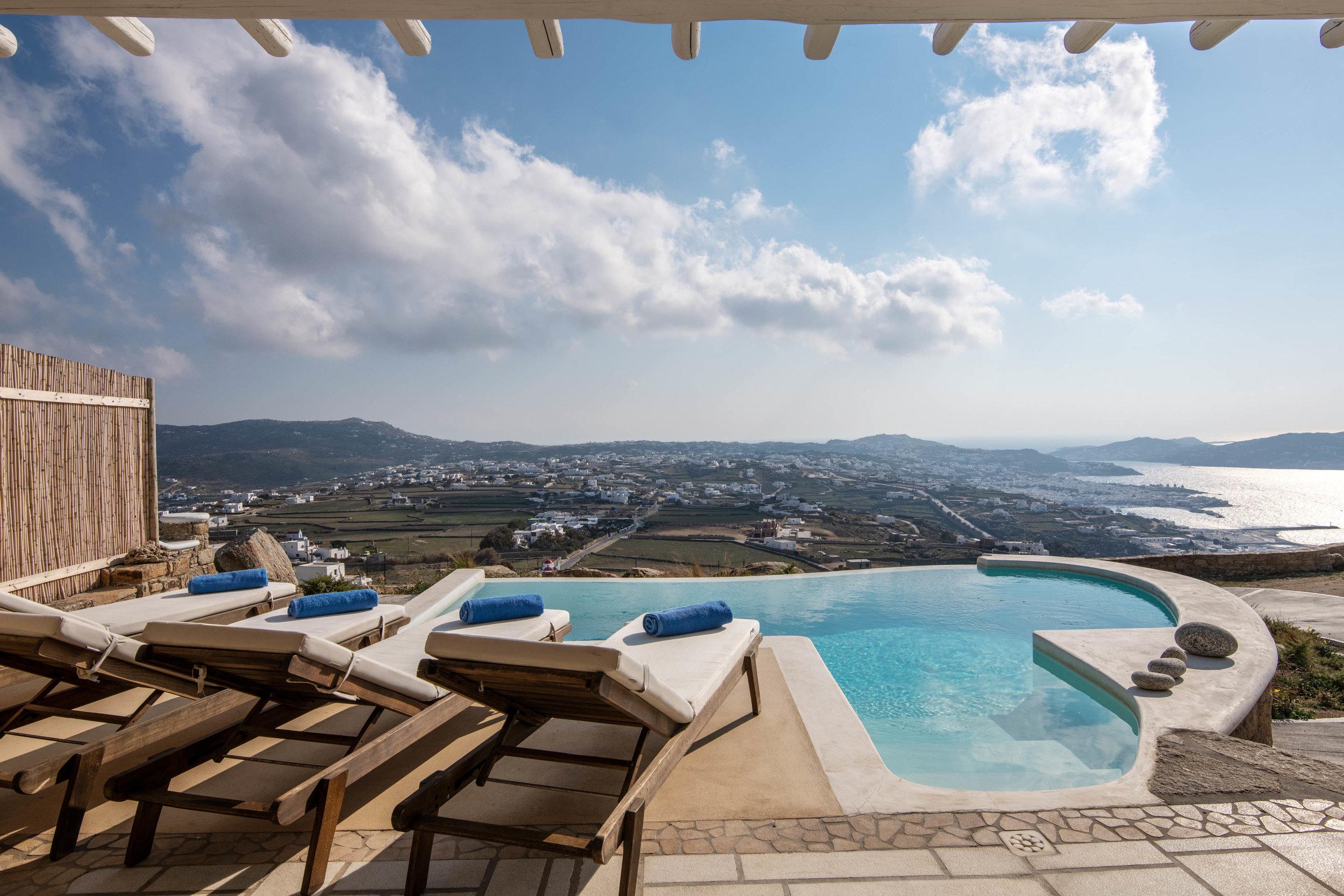 TOURLOS, Mykonos  7 Guests, 3 bedrooms