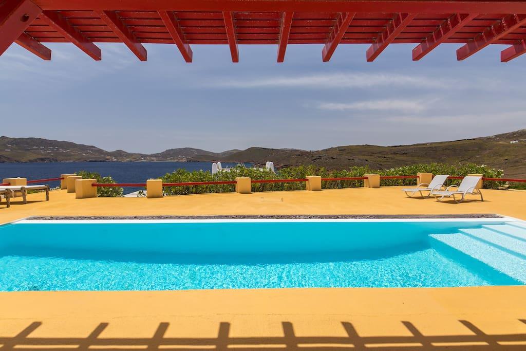 Agios Sostis, Mykonos  6 Guests, 3 bedrooms