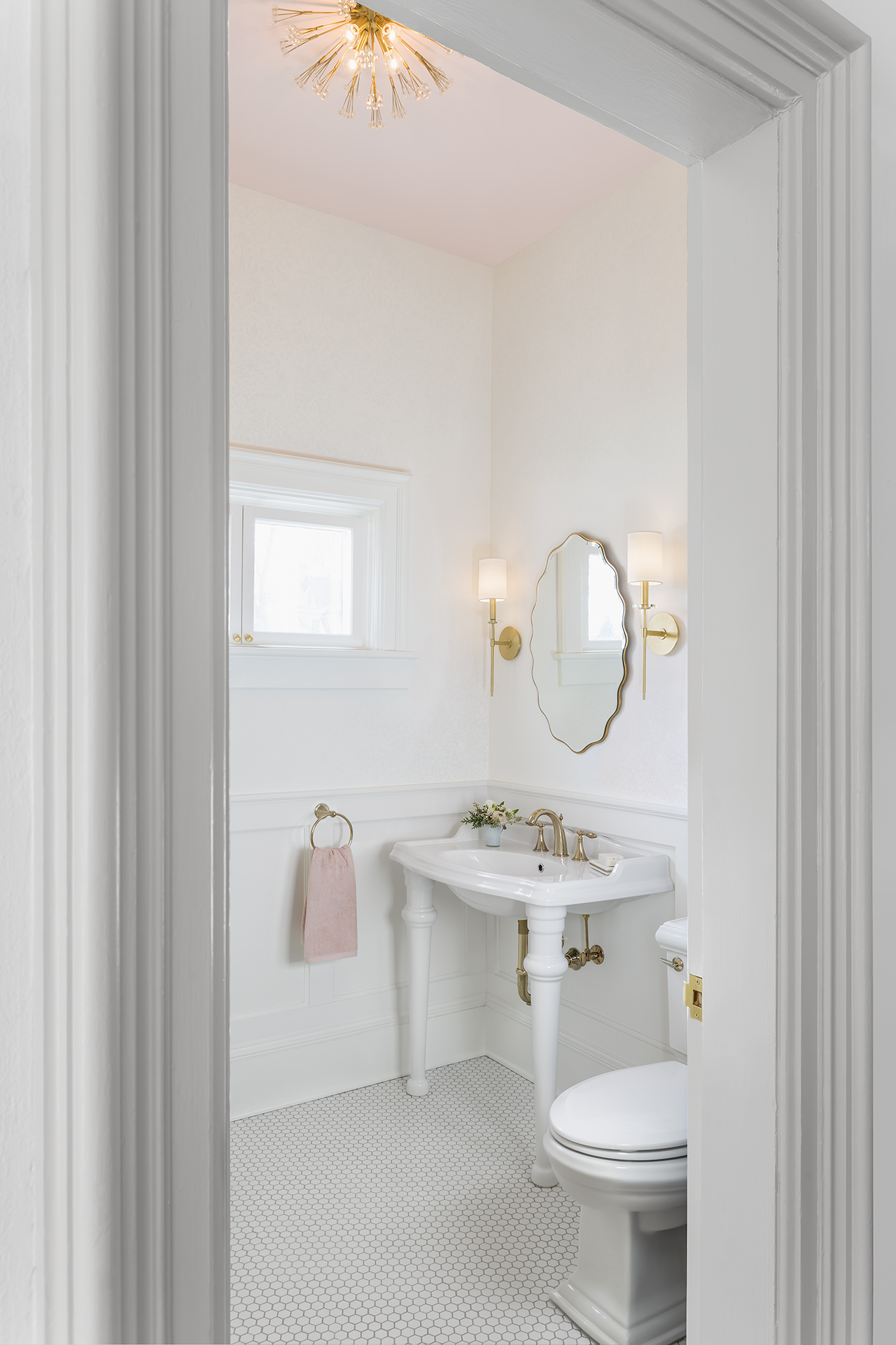 Each of the design elements work together to make this small room blend in seamlessly with the historic home.