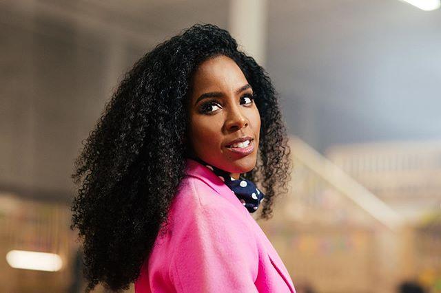 Some BTS of Kelly Rowland in her Crown music video last year