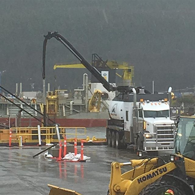 Grey foggy days aren't always that bad.... Long reach needed for this job, that's one of many reasons why the Formost Hydrovac is our weapon of choice. #hydrovac #vacuumtrucks