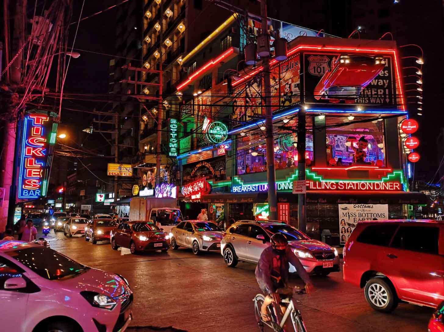 travel-blogger-redhead-round-the-world-philippines-2.jpg