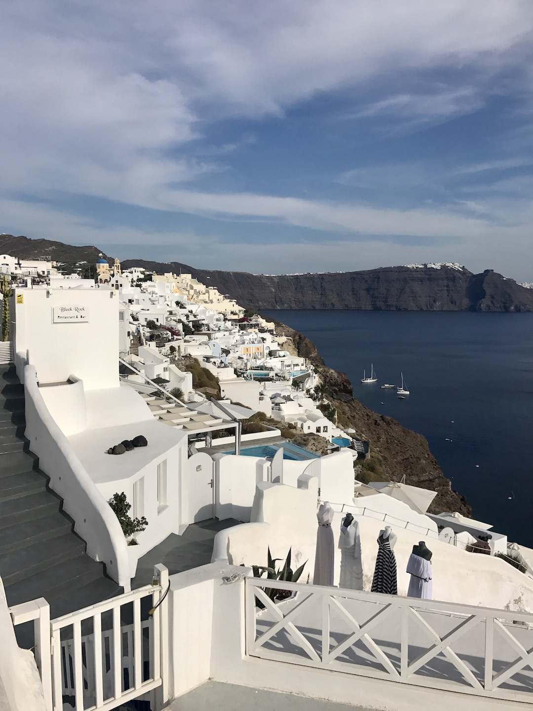 travel-blog-blogger-redhead-round-the-world-greece-santorini.jpg