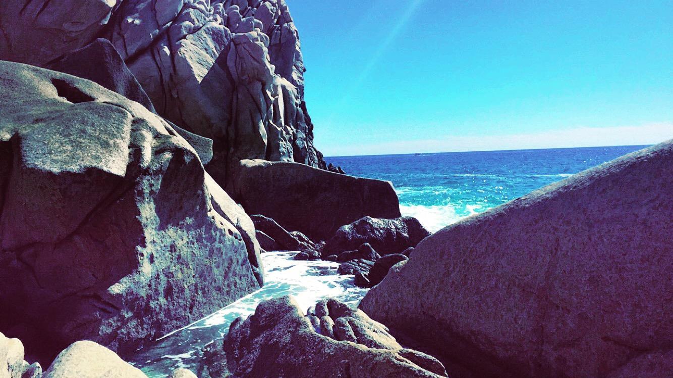 travel-blog-blogger-redhead-round-the-world-mexico-beach-water.JPG