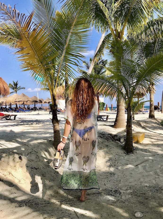 travel-blog-blogger-redhead-round-the-world-mexico-beach.jpg