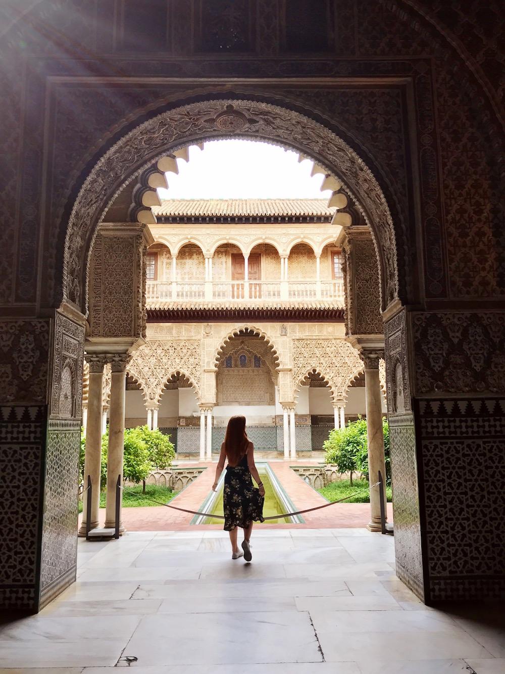 travel-blog-blogger-redhead-round-the-world-spain-alcazar-sevilla.JPG