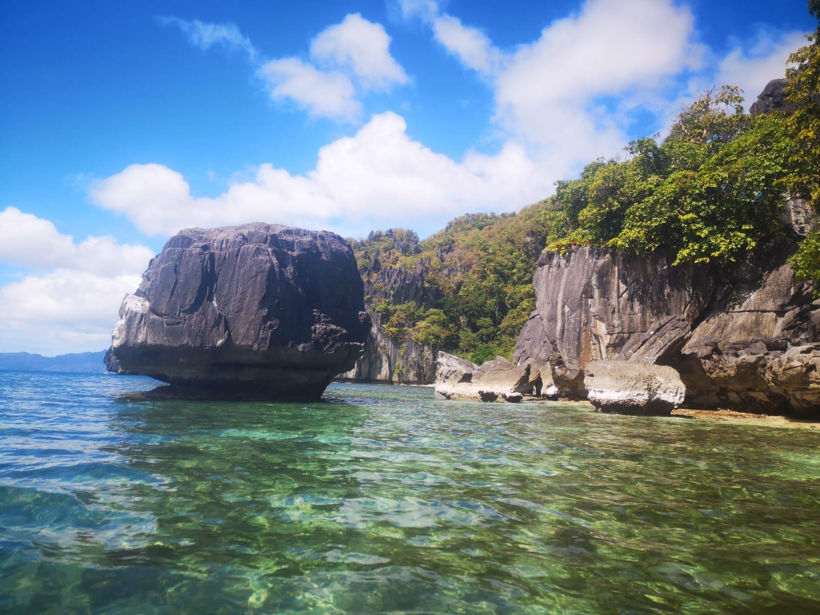 travel-blog-blogger-redhead-round-the-world-el-nido-philippines.jpg