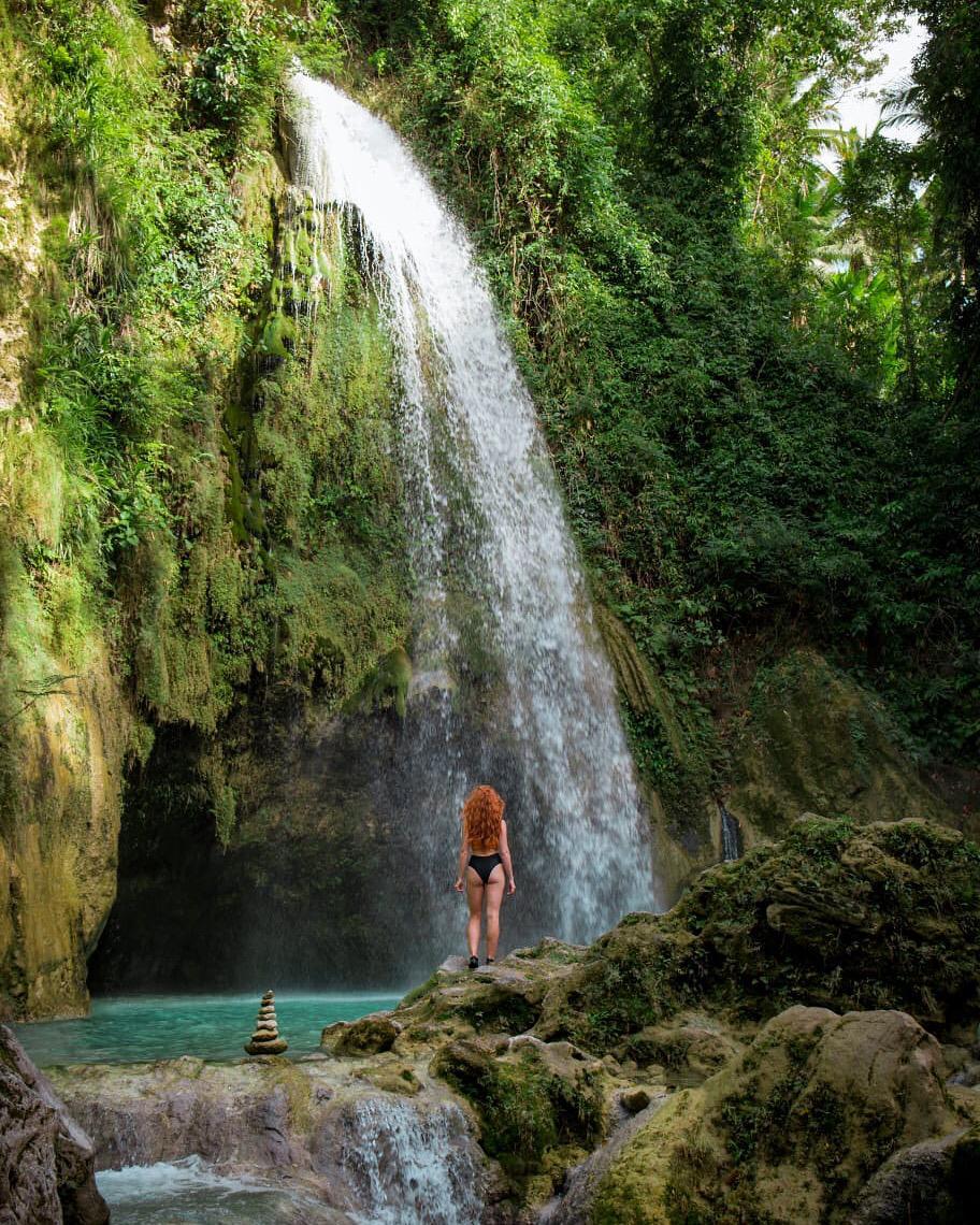 travel-blog-blogger-redhead-round-the-world-red-hair-waterfalls-cebu-philippines.jpg
