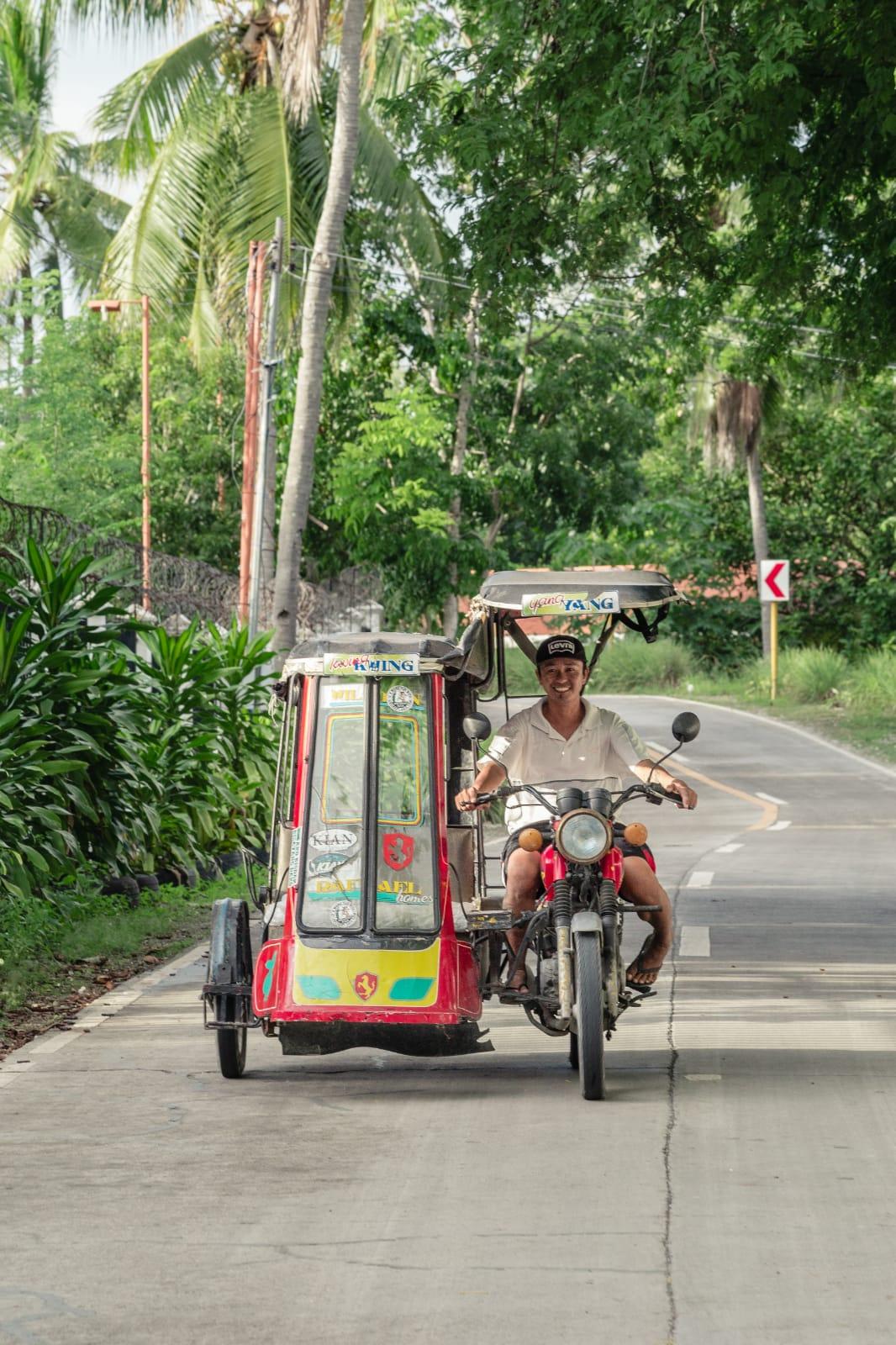 travel-blog-blogger-redhead-round-the-world-philippines-cebu-tuk-tuk-island.jpg