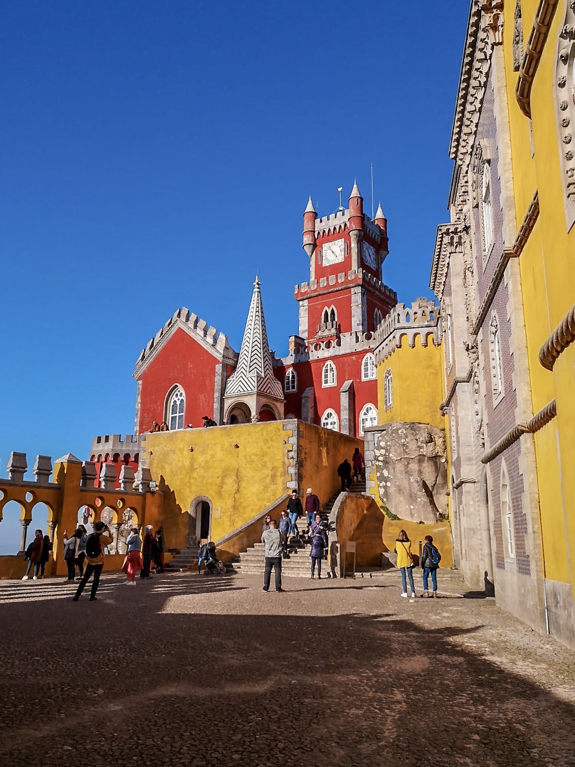 redhead-round-the-world-blog-blogger-portugal-europe-sintra-pena-palace-sun-colours.JPG