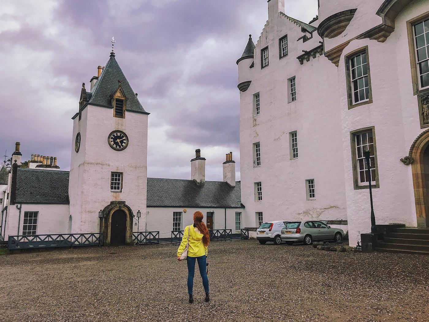 redhead-round-the-world-scotland-blogger-travel-castle-glenlivet-highlands-yellow.JPG