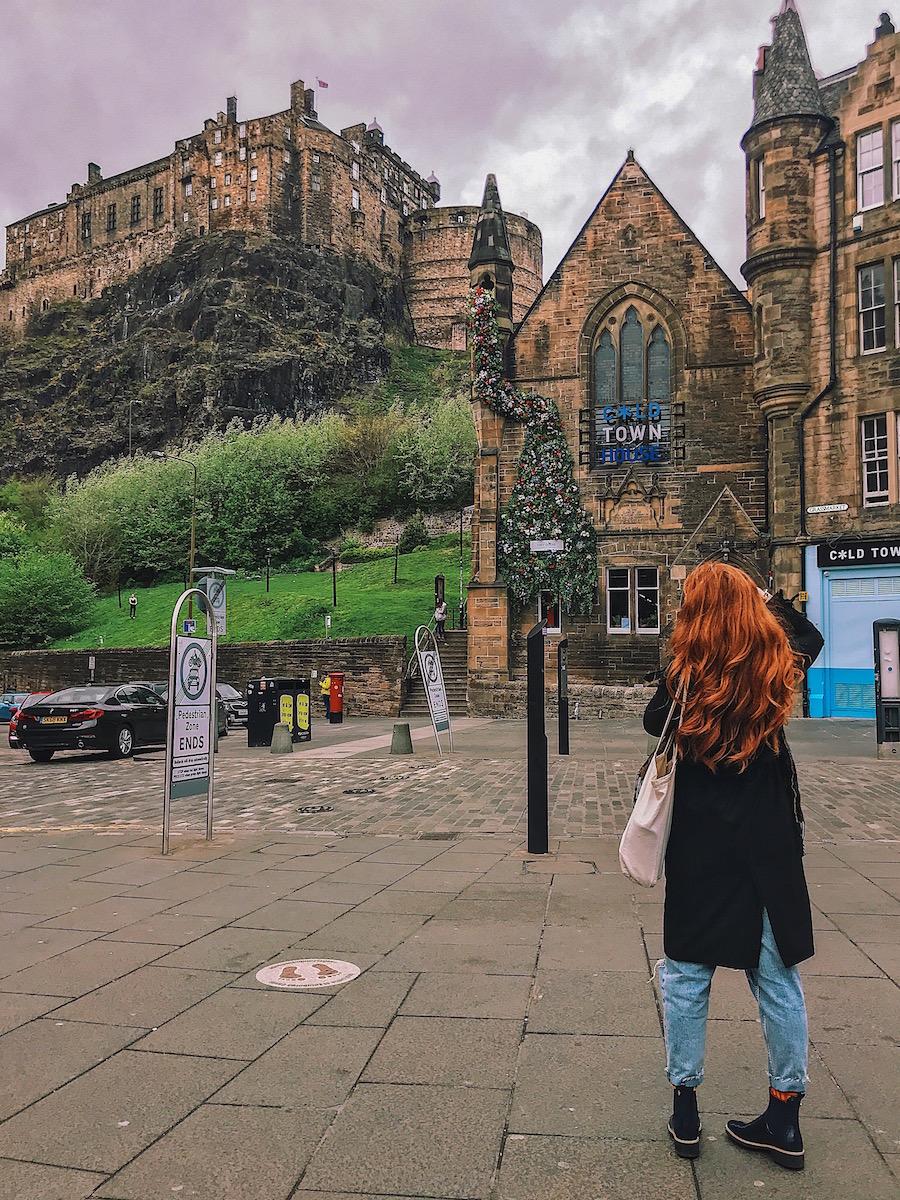 redhead-round-the-world-scotland-blogger-travel-edinburgh- castle.JPG