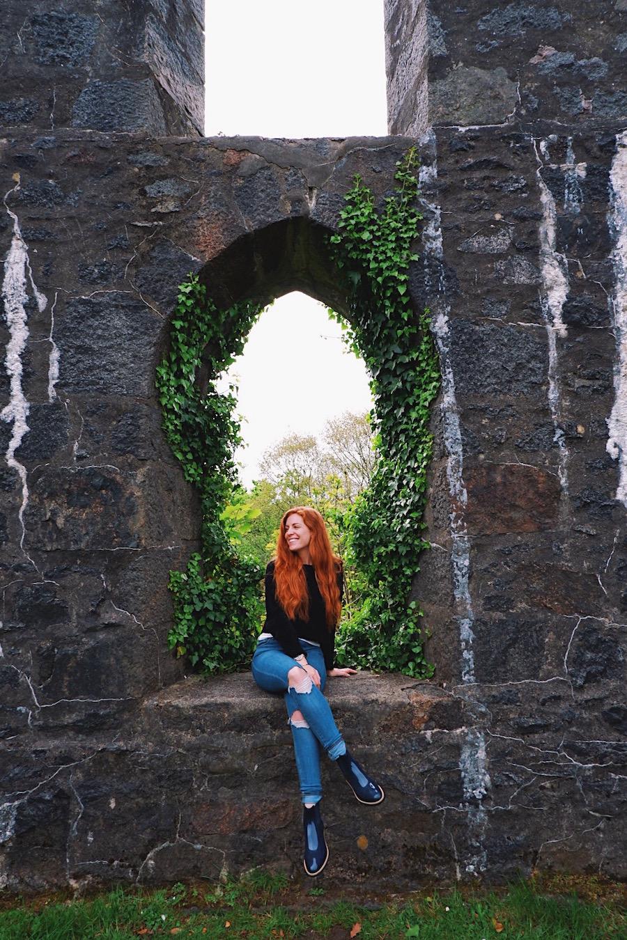 redhead-round-the-world-scotland-blogger-travel-oban-castle.JPG