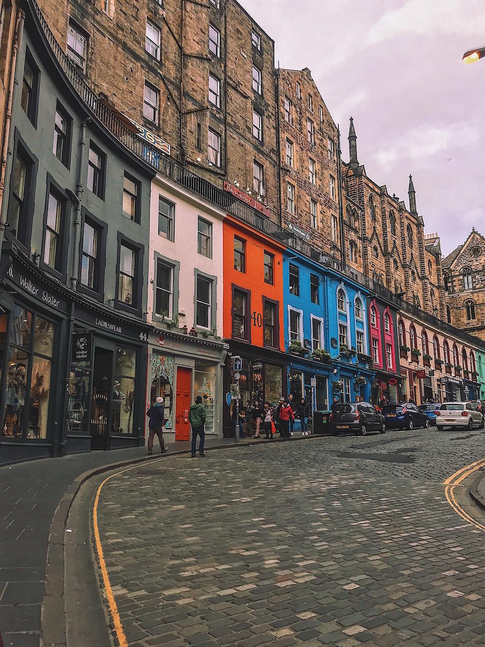 redhead-round-the-world-scotland-blogger-travel-victoria-street-colours-edinburgh.JPG