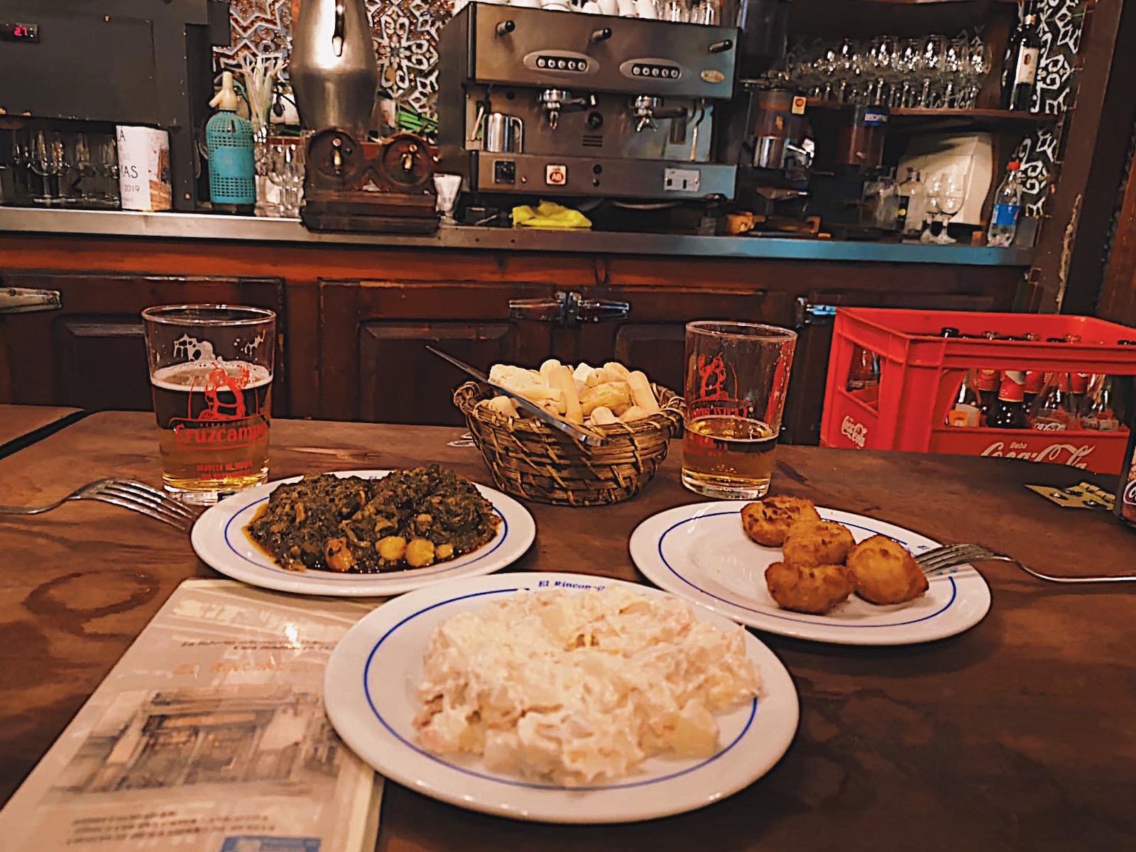 redhead-round-the-world-blogger-food-foodie-foodblog-spain-el-rinconcillo-inside-food-menu.JPG