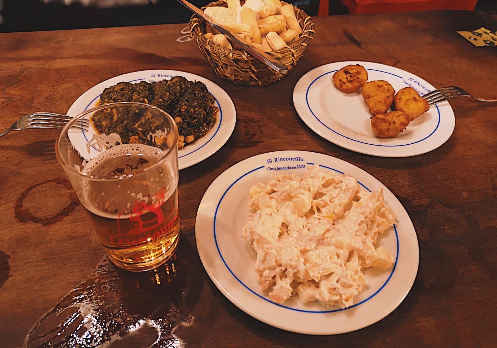 redhead-round-the-world-blogger-food-foodie-foodblog-spain-el-rinconcillo-inside-beer-food.JPG